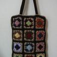 かぎ針編みモチーフのバッグ