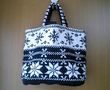 手編みのお弁当バッグ