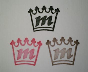 王冠イニシャル